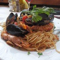 Mixed seafood spaghetti