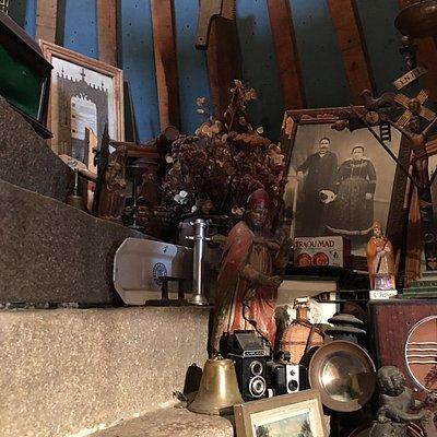 """Il faut mériter le """"bazar organise magnifique"""" de cette librairie celtique située au """"Grenier"""" !"""