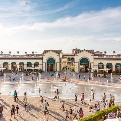 The fountain square