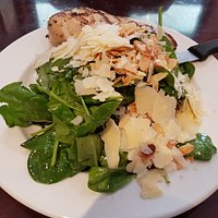 Baby Spinach Salad with Chicken Breast (CAD$15.90)