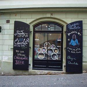 Store in Nerudova 19