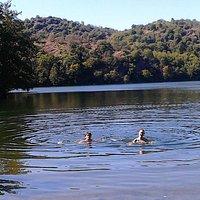 Un bel bagno nel lago