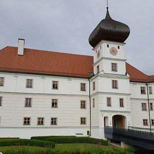 Aussenansicht des Original-Schloss