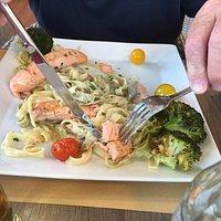 Afschuwelijk, nooit meer, pasta van de chef met slechte zalm..., salade geitenkaas met meloen, g