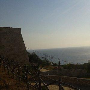 Passeggiata intorno alle Mura Messapiche - vista sul mare, h 8,00 AM
