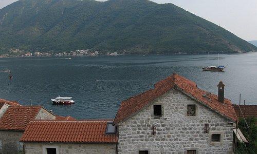 Пераст, Черногория, Боко-которский залив Средиземного моря, вид сверху