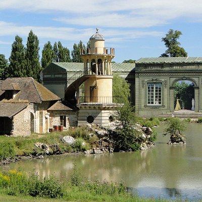 La tour de Malborough et la maison de la reine en restauration en arrière plan