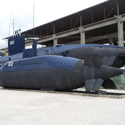 Субмарина в Тивате