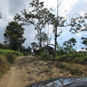 Access to malela