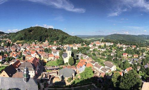 Blick von der Burgmauer auf das Stadtzentrum Lindenfels