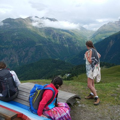 Rest stop and vantage point - Spectacular views towards Timmelsjoch Road pass