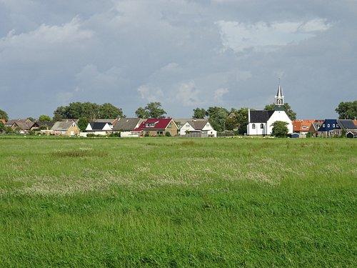 zicht op De Zeemanskerk uit 1650 ;Oudeschild-TEXEL