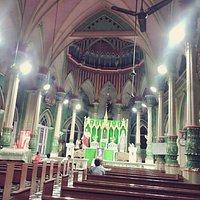 夜晚的教堂開放中,歡迎來親近。