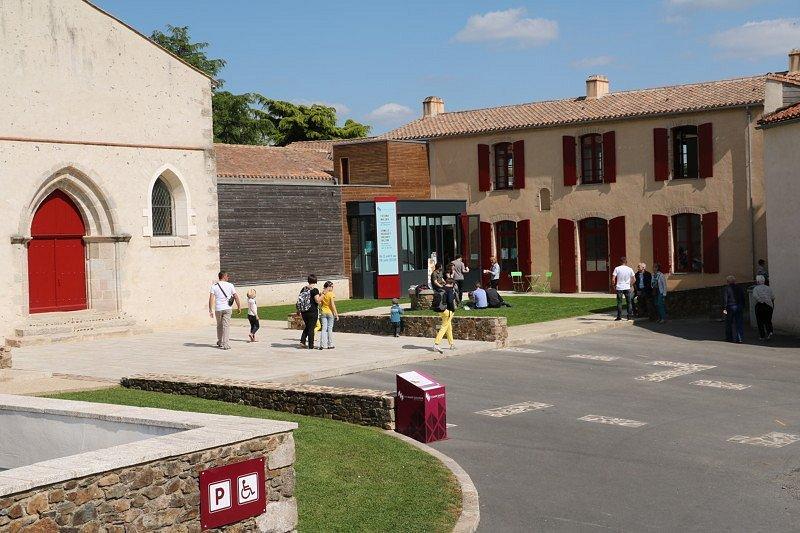 Le Site Saint-Sauveur à Rocheservière (85), lieu de rencontre entre patrimoine et création.