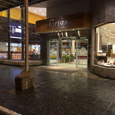 Tienda principal en la calle Mitre, Bariloche