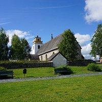 Die Kirche außen
