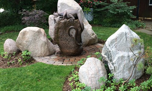 Amazing water feature sculpturs