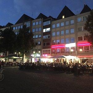 Here starts the pub crawl Cologne