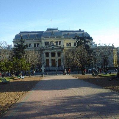 Palacio de la Legislatura desde Plaza San Martín