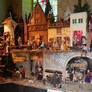 Crèche provençale exposée en permanence dans l'église du Sacré-Coeur de Chicoutimi