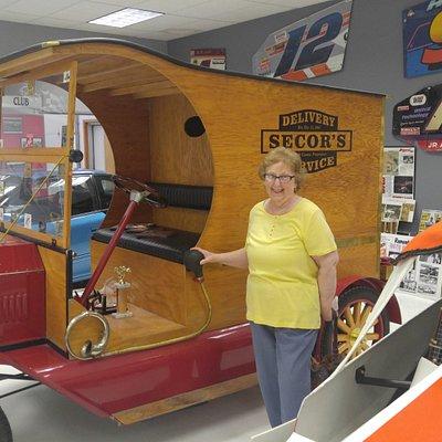 1909 Model T Truck Replica