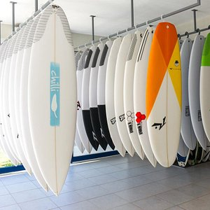 Test, rent and sale of top brand surfboards. Try before you buy