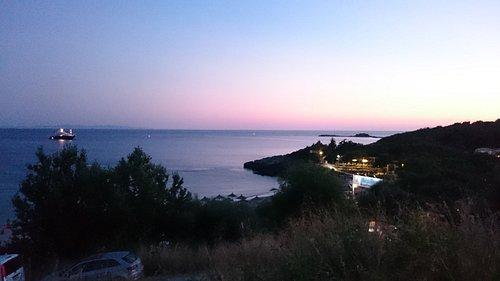 Mega Ammos Beach am Abend