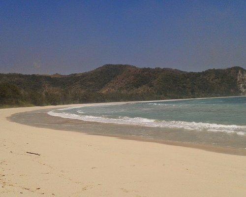 Pasir putih pantai tarimbang