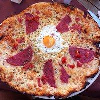 Crep Marinero, varias Pizzas, Pulcio,Bolognesa,Peperoni, Papardelle a la Carbonara y ensalada Ca