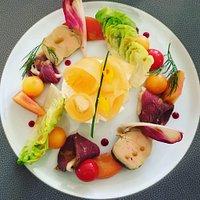 Menu à 60€ avec deux plats (entrée,poisson+viande,fromage et dessert)