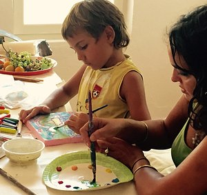 Atelier Thalia offers art workshops for children of all ages. Adult workshops can cover painting