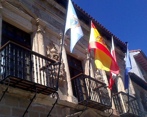 Ayuntamiento San Vicente de la Barquera.