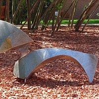 ses étranges et fascinantes sculptures