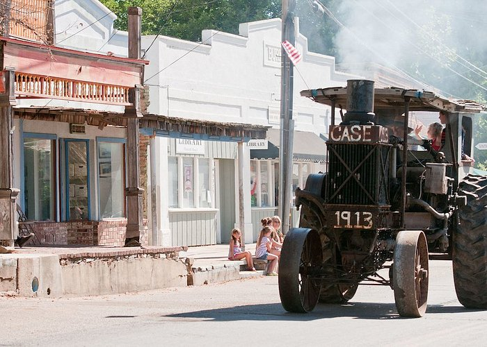 Opening Day County Fair Parade, Main St