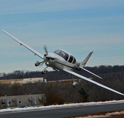 Cirrus SR20 - Thr airplane with a parachute!