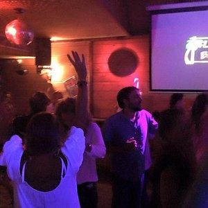Ze dance floor