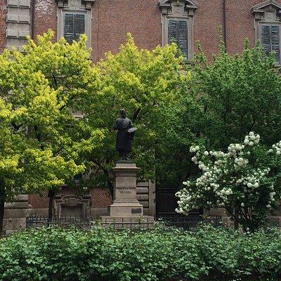 Monument to Francesco Hayez