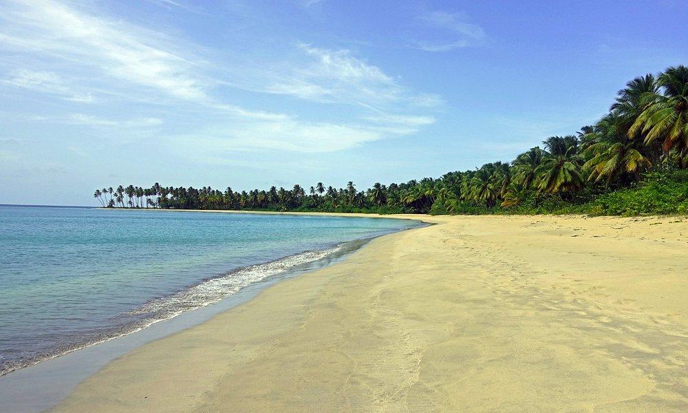 Playa Esmeralda towards Leo's camp.