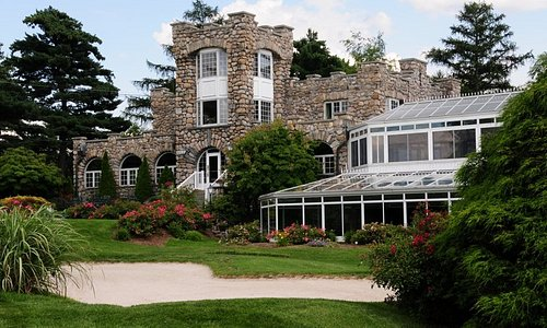 Ramsey Golf & Country Club is for fine diners seeking an elevated dining experience.