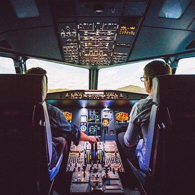 AviaSim Paris - Simulateurs de vol Airbus A320 / Boeing 737