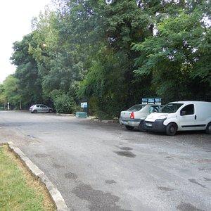 Parking à la Porte des Pelouses d'Avron