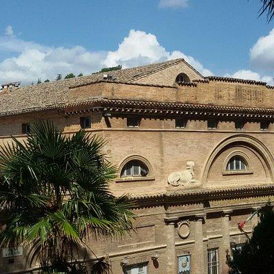 Teatro Sanzio visto esternamente