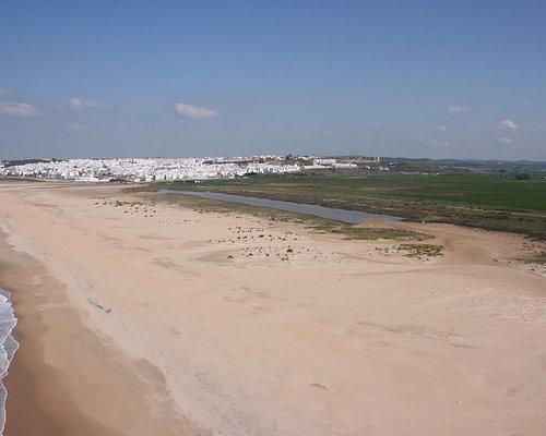 Playa de Castilnovo con Conil al Fondo