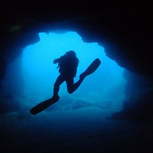 Diving Moon Pool cave