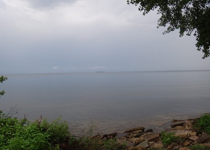 Looking toward Green Island 5 miles out of Marinette in the Green Bay