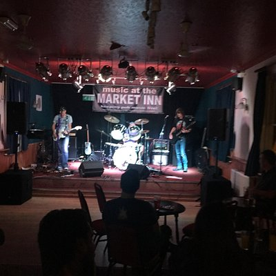 Second visit to the Market Inn. Busy though it was a Friday night. Great band playing, Split. Re