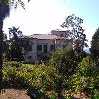 Villa vista dal giardino