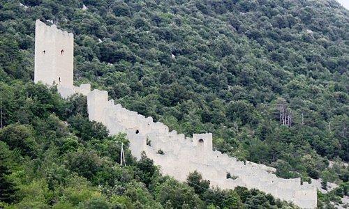 Castello di San Pio delle Camere