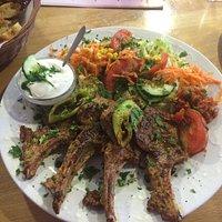 Lamm mit Salat