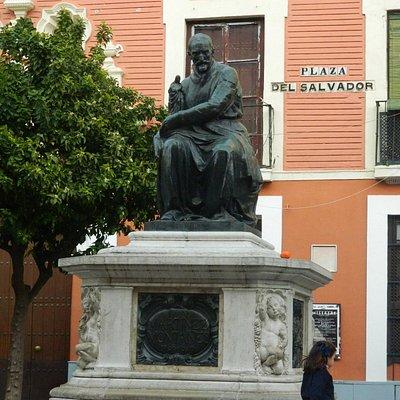 Monumento a Juan Martínez Montañés